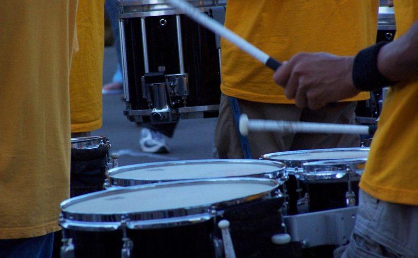 Początki gry na perkusji – co jest ważne?